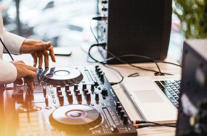 Tips for Hiring the Wedding DJ of Your Dreams