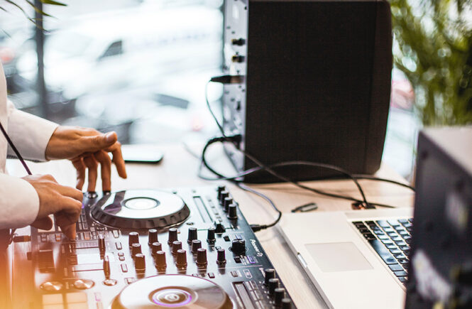 Don't Fall for These Myths About Wedding DJs